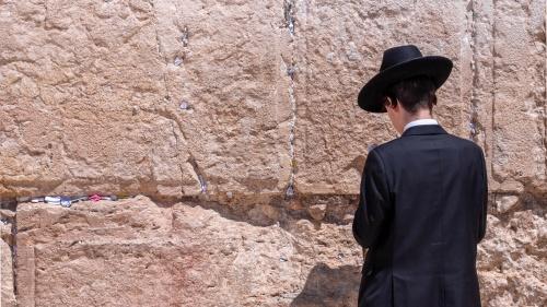 La predicación de Pablo hacía estragos el sistema religioso legalista de los judíos.