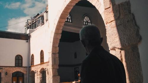 La comunidad cristiana de Damasco debe de haber notado cierto cambio en Saulo después de su ausencia. Porque al regreso de Arabia, Pablo empezó a poner en práctica el ministerio al cual fue llamado por Jesús.