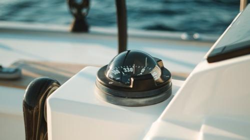 La ruta del cristiano puede compararse a un viaje en alta mar: hay días cuando el oleaje está en calma y otros con vientos huracanados.