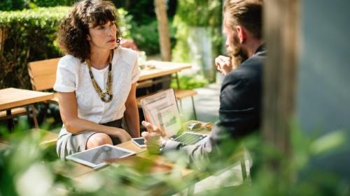 Para transmitir nuestro mensaje, debemos ser activos y buenos comunicadores. ¿Es usted capaz de hablar con gracia y sazonado con sal?