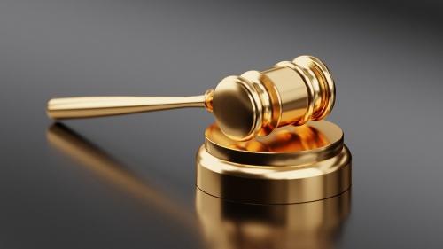 Es erróneo pensar que la conmutación de la pena de muerte a un criminal en particular, tiene como consecuencia la anulación de toda la jurisprudencia decretada en contra del crimen.