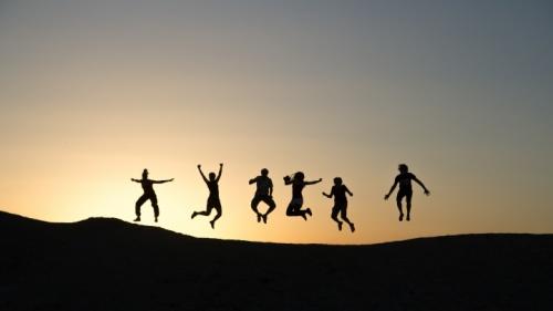 ¡El reunirse regularmente permite a los hermanos alentarse mutuamente al amor y a las buenas obras!