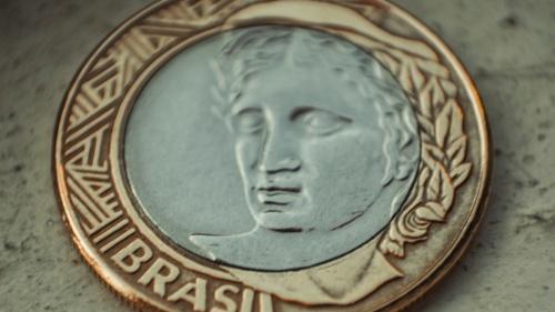 """""""Las monedas en circulación en Palestina incluían tanto las romanas como las locales. La típica moneda romana tenía en una cara un retrato del emperador o de otra persona importante..."""""""