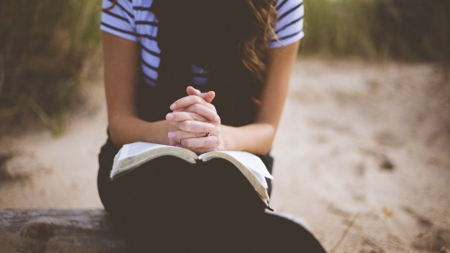 La oración es muy necesaria para el acercamiento a Dios y desarrollo espiritual