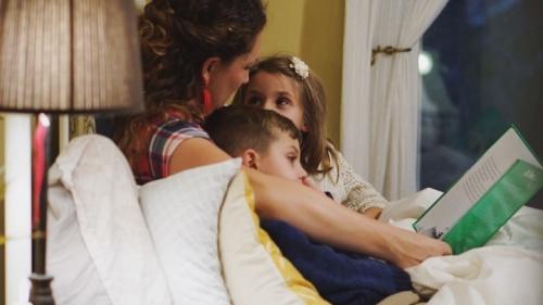 En la Iglesia hemos aprendido que la buena educación se desarrolla en la familia