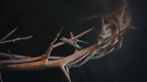 Aquel que nació como Jesús de Nazaret, fue quien interactuó con los patriarcas, profetas y el pueblo de Israel como el Señor o Dios en nombre de Dios Padre.