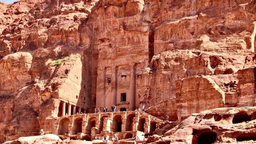 Posiblemente el lugar de refugio para los elegidos por Dios, sea Petra.