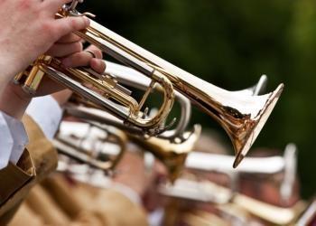 Trompetas por todos lados