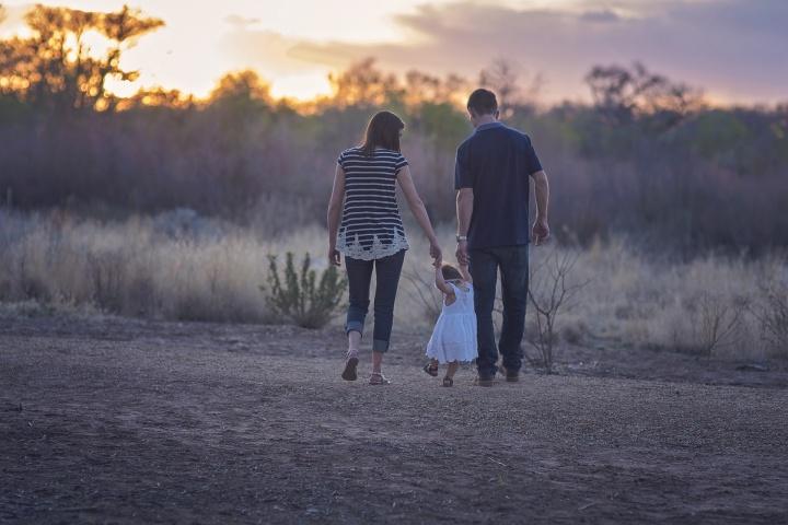 Los padres deben instruir a los futuros hijos de Dios, tal como Dios dijo de Abraham (Génesis 18:19).