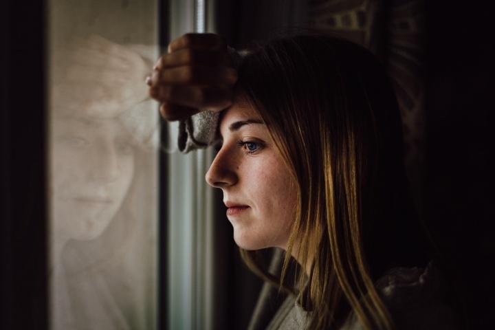Es importante que no permitamos que el mal entre en nuestras vidas de ninguna forma. Si entra, debemos parar, darnos cuenta de lo que está sucediendo y ponerle fin de inmediato, como con el pájaro picoteando en mi ventana.