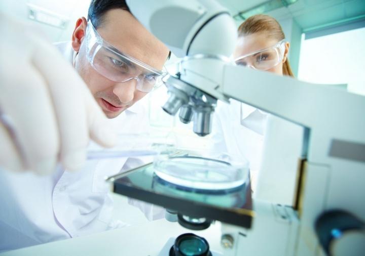 Un grupo creciente de respetados científicos está desertando del campo evolucionista... pero no sobre la base de una fe religiosa, sino por razones estrictamente científicas.