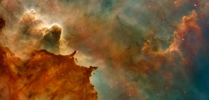 En la antigüedad, el hombre cometió el error de adorar la creación en lugar de su Creador: el sol, la luna y las estrellas.