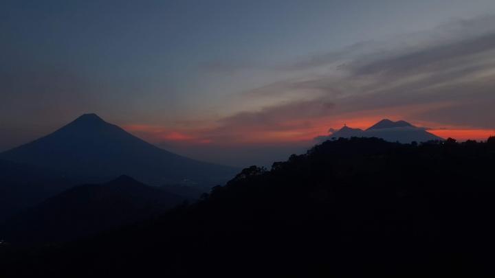 Estábamos en una montaña con una vista espectacular durante el sermón...